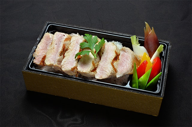 牛&鶏めし弁当